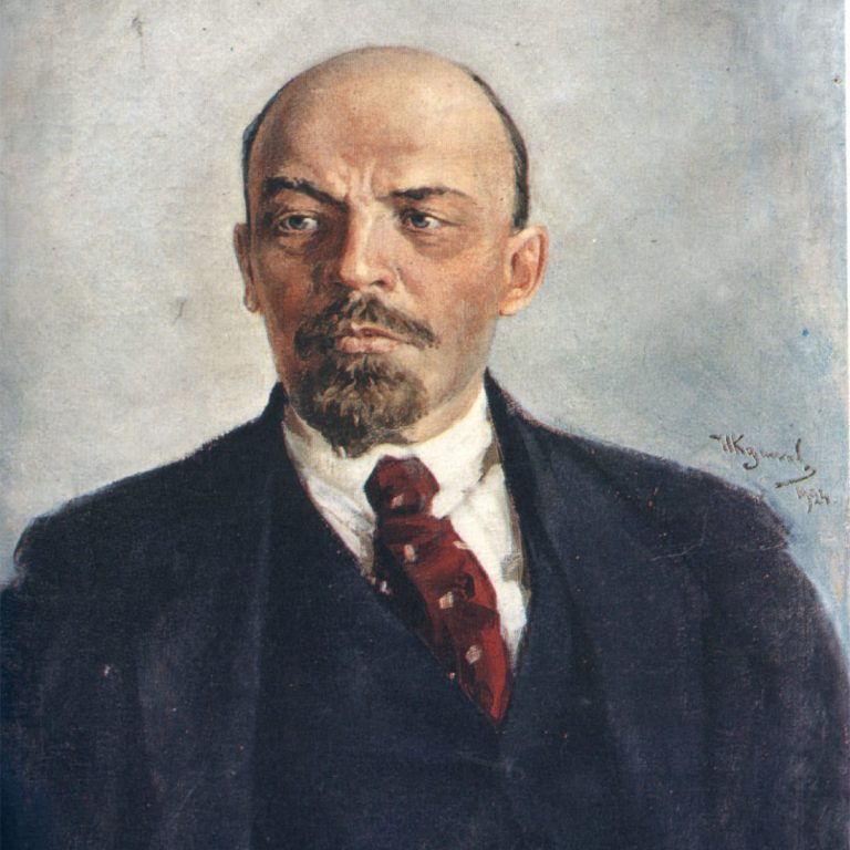 Lenin's body has been kept in Russia for 96 years, Story of How it has been taken care.